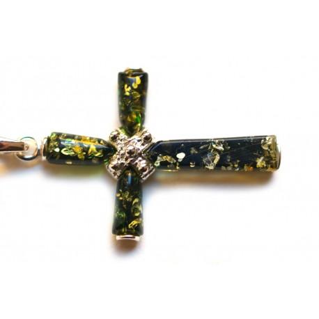 Sidabrinis kryžius su žaliu gintaru