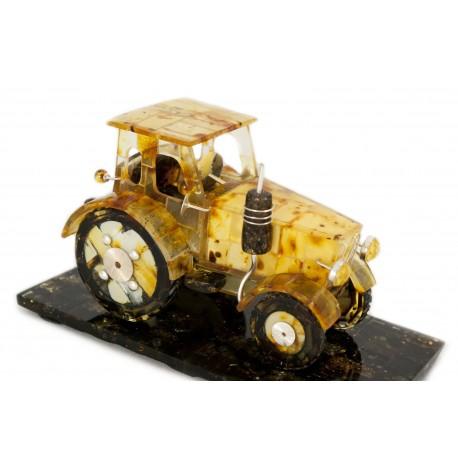 Gintarinis traktoriukas