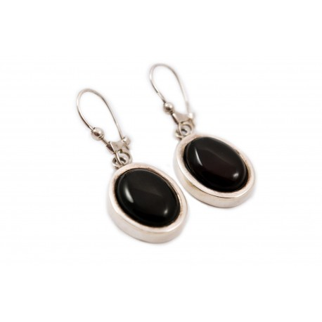 Silver, oval earings with cherry amber