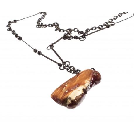 Antikvarinis tamsaus medaus spalvos kaklo papuošalas