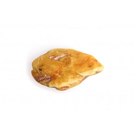 Geltonas, antikvarinis gintaro gabalėlis