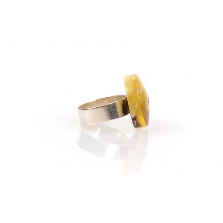 """Sidabrinis žiedas su gintaru """"Saulės vaikas"""""""