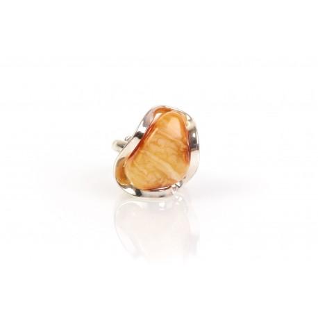 """Gintaro - sidabro žiedas su gintaru """"Sidabrinė banga"""""""