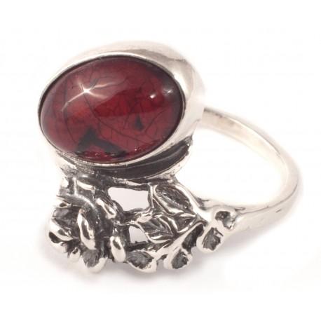 Sidabrinis žiedas su vyšniniu gintaru