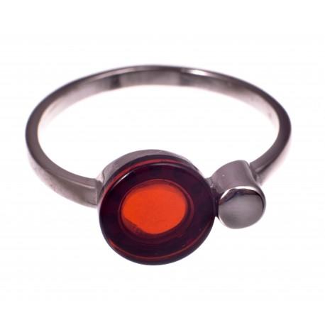 """Gintaro - sidabro žiedas """"Raudonas mėnulis"""""""