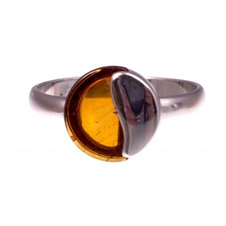 """Gintaro - sidabro žiedas """"Švelnumas"""""""
