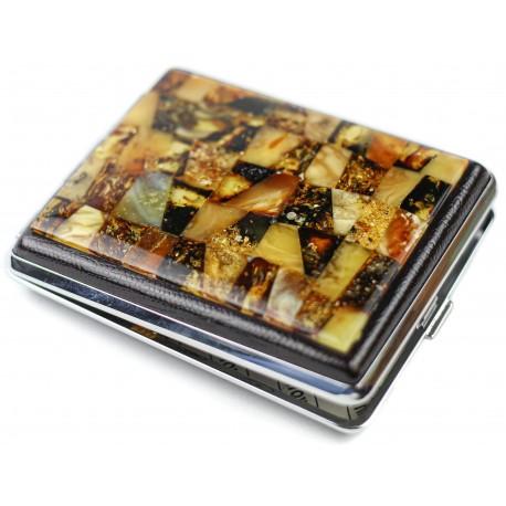 Dėžutė su gintaro mozaika