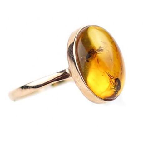 Aukso - gintaro žiedas su inkliuzu