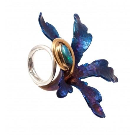 Sidabrinis žiedas su titanu, auksuotu žalvariu ir opalu