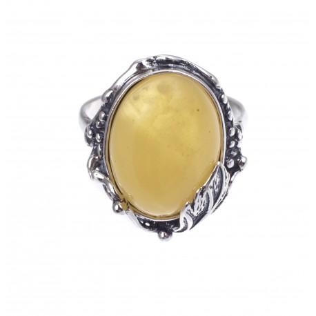 Sidabrinis žiedas su geltonuoju gintaru