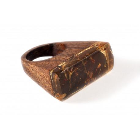 Medinis žiedas su žalsvai citrininiu gintaru