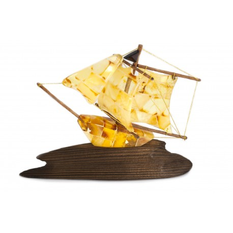 Geltonojo gintaro laivas