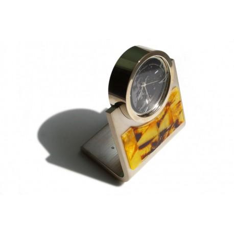 Gintaro mozaika puoštas laikrodis